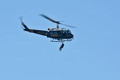 Duke 6 UH-1H SAR Demo (linda m bell) Tags: huntingtonbeachairshow 2016 huntingtonbeach california socal aircraft duke6 uh1h sar demo n186sd searchandrescuedemo helicopter orangecountysheriff