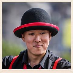 Man With Hat (FotoFling Scotland) Tags: edinburghfestivalfringe performer streetperformer fotoflingscotland face male