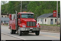 "Peterbilt 330 ""Dawes"" (uslovig) Tags: peterbilt 330 dawes rigging crane rental cl 921 truck lkw lorry lastwagen camion lastkraftwagen laster conventional ferryville wisconsin wi usa"