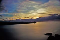 IMGP2559 (2) (pierre et aline Favraud) Tags: sunset sea ligthouse mer coucherdesoleil poselongue