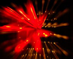 Star Explosion (Susi the Trumpet) Tags: weihnachten stern zoom effekt