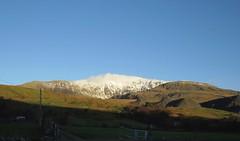 6184 Yr Wyddfa from the Rydd Ddu road (Andy - Busyyyyyyyyy) Tags: 20161124 eryri mmm mountain mtsnowdon snow snowdonia sss yrwyddfa