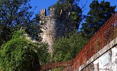 Torren de los Marqueses de Sarria. (Caty V. mazarias antoranz) Tags: sarria lugo galicia spain espaa caminodesantiado santamarina santamaria ossarriaos alfonsoix 1230 reydelenygalicia torrenmarquesesdesarria