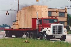 IH 4200 at the port (PAcarhauler) Tags: ih international semi truck tractor trailer