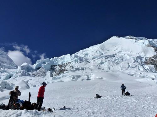 Nous voici au Camp 1, dominé par le Huascarán Sur