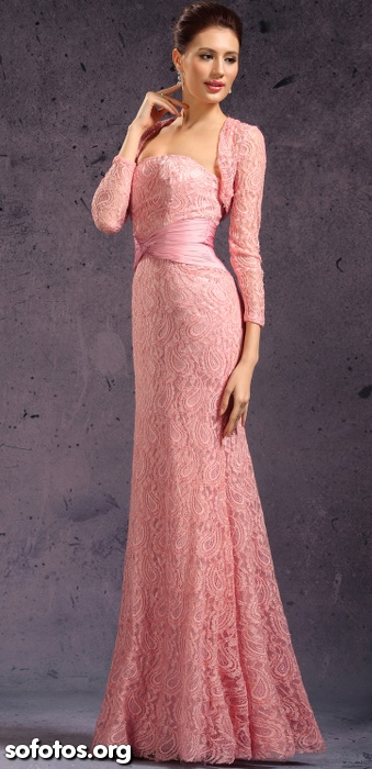 Vestido de festa de renda rosa
