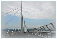 Viaduc de Millau (1) (au35) Tags: nikon ciel pont tarn a75 millau viaduc aveyron valle viaducdemillau d5000 aubans