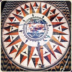 Compass Rose @ Belm (stavrogincrede) Tags: portugal monument square europa europe colours monumento lisboa lisbon sightseeing dos praa lissabon piazza colori compassrose lisbona portogallo belm padro descobrimentos scoperte rosadeiventi