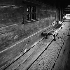 I hear the water dreaming (fusion-of-horizons) Tags: wood house texture window monument architecture bench de photography photo casa al oak fotografie photos traditional perspective national romania porch vernacular transylvania transilvania banca maramures gusti muzeul dimitrie lemn fereastra arhitectura satului bucureti prispa stejar patrimoniu arhitectur gospodarie vernaculara