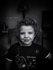 Pequea princesa/Little princess (Voroshin - ) Tags: portrait bw art byn blancoynegro child retrato bn nia autor voroshin javierbence