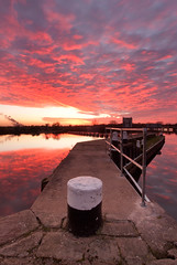 Jetty Portrait Sunset, Beeston Marina (Julian Barker) Tags: nottingham sunset reflection marina river dusk jetty trent beeston weir