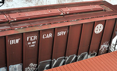 BUFFER SERVICE ONLY DO NOT LOAD STENCIL FROM BNSF#808424 TOLEDO,OHIO 12-15-13 SUNDAY (penn central 74) Tags: roundel burlingtonnorthernsantafe toledoohio buffercar 121513 bnsf808424 buffercarsrvdonotload