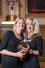 Sandra Thoresson och Inger Fohlin från Advokatfirman Vinge, vinnare av Web Service Award 2013 i klassen Intranät.
