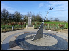 With 3 symbolic thrones and Halberd and Crown forming the top of the Sundial on top of the hill at Bosworth. (nexapt101) Tags: sundial crown halberd bosworthfield vision:mountain=0519 vision:outdoor=0976 vision:street=0541 vision:sky=0749