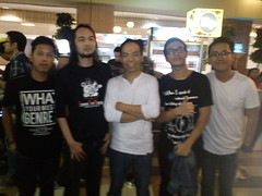 Bersama Bassist terbaik Indonesia Indro Hardjodikoro and the Fingers