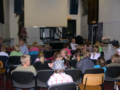 "zomerspelen 2010 filmavond • <a style=""font-size:0.8em;"" href=""http://www.flickr.com/photos/125345099@N08/14455697223/"" target=""_blank"">View on Flickr</a>"