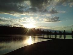 Озеро и солнце // Lake and the sun (alexyv) Tags: sunset sky cloud sun lake reflection mobile forest finland закат небо imatra солнце лес озеро отражение облако финляндия иматра