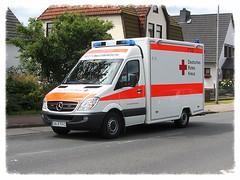 Mercedes-Benz Sprinter Rettungswagen (v8dub) Tags: auto car germany deutschland mercedes benz automobile automotive voiture ambulance allemagne bremerhaven rettungswagen niedersachsen sprinter ambulanz wagen pkw worldcars