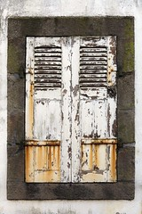 Mlancolisation (Gerard Hermand) Tags: 1610255044 gerardhermand france bretagne plozevet canon eos5dmarkii formatportrait pontcroix fentre window volet shutter bois wood rouille rust ferm closed mur wall