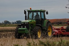 Big machine (hspall) Tags: farm farming farmmachinery machine tractor vehicle heavy green countryside field ploughing sowing