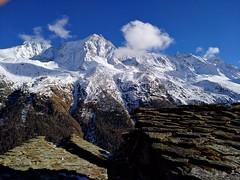 pedras altas (LetsLetsLets) Tags: lesgouilles arolla valéedhérens valais suisse suíça novembro 2016 montanhas montagne mountains telhados roofs toits