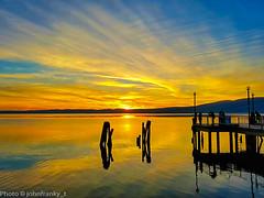 Un tramoto dorato-A golden sunset (johnfranky_t) Tags: johnfranky trevignano lazio bracciano lake lago pontile pier embarcadero
