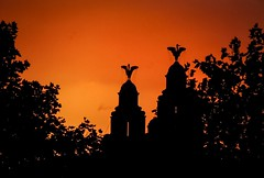 Our sentinels (Wendy Adele Williams) Tags: liverbuilding liverbirds silhouette fierysky skyscape outline iconic liverpool skyline sunset fujifilmxt10 fujixc50230mm