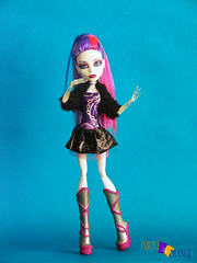 Spectra (PurpleandOrangeMH) Tags: monster high doll reroot frankie draculaura cleo clawdeen spectra lagoona operetta rochelle venus orange purple punta arenas chile dolls custom jackson clwd hotl hit sirena nefera ooak repinted hair pink black moucedes peri pearl we welcome