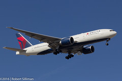 Delta Airlines Boeing 777 N701DN-3276 (rob-the-org) Tags: kphx phx skyharborinternational phoenixaz deltaairlines boeing 777 n701dn f10 100mm 1500sec iso100 cropped noflash topnovember2016