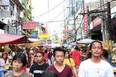Busy street in Chinatown (stefan speelberg) Tags: life china street people signs town chinatown market philippines stall daily busy manila filipino stalls quiapo mensen manilla filipijnen