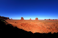 Monument Valley (ToniZancle) Tags: sky usa canon 7d navajo monumentvalley rokinon tonizancle