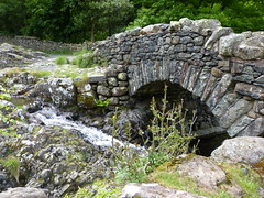 Ashness Bridge - 2 (Lazy B) Tags: old june stone nationalpark rocks stream arch lakedistrict cumbria derwentwater keswick ashnessbridge 2013 fz150 barrowbeck