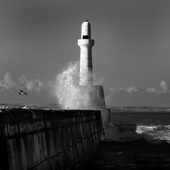 South Breakwater, Aberdeen (dawnlb83) Tags: lighthouse beach rock 10 aberdeen nd torry girdleness 10stopfilter