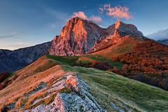 Burning Light (Corsaro078) Tags: mountain clouds sunrise landscape nuvole alba montagna paesaggio 378 gransasso 347