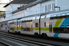 Salzburg Hauptbahnhof (austrianpsycho) Tags: building salzburg train 1 kiss eisenbahn railway zug bahnhof hauptbahnhof bahn hbf 004 4010 stadler westbahn 0048 salzburghbf gebäude stadlerrail salzburghauptbahnhof stadlerkiss 40100048 4010004