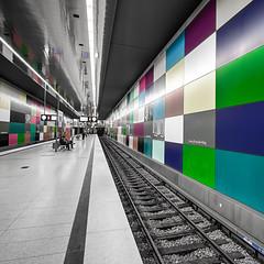 Georg-Brauchle-Ring - U-Bahnstation II (Robert Mehlan - Munich) Tags: station architecture germany underground munich mnchen square bayern ubahn architektur gebude bahnsteig 500x500 bahnstation georgbrauchlering canon5dmkii tse17mmf4l robertmehlan