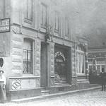 "Slagerij ut Hert 1928 Grotestraat <a style=""margin-left:10px; font-size:0.8em;"" href=""http://www.flickr.com/photos/99860362@N04/11227494404/"" target=""_blank"">@flickr</a>"