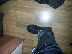BMS Gummistiefel (Stoni87) Tags: wet girl hole bms wellies muddy rubberboots gummistiefel leaky vision:mountain=0618 vision:sunset=0591 vision:sky=0557 vision:clouds=0572