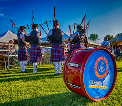 Glengarry Pipe Band (Blue Bentley) Tags: music ontario pipes pipe band scottish games highland scot bagpipes glengarry maxville