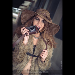 X100s eater   (dominikfoto) Tags: portrait mannequin girl beauty fashion photography glamour horizon babe rivire bonnet mode fille manon macon fourrure topmodel modle fusina pocketwizard fusinadominik