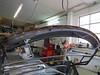 04 Fiat 124 Spider Montage typischer Rostbefall der Dachspitze 01