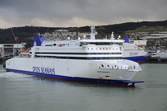 DFDS Seaways (Port_of_Dover) Tags: travel england lighthouse white tourism ferry port kent traffic transport cliffs po eastern dover dfds myferr