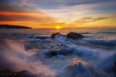 """There're always reasons to get up!"" (Blai Figueras) Tags: costabrava sky panorama agua seascape sunset water horizon amanecer atmosphere coast seaside otoo longexposure stones sun lloretdemar le paraiso rocas sea beach paisaje flickr playa eden splash costa cielo clouds landscape mar rocks wow"