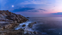 Twlight Sea (Mat Viv) Tags: canon canon760d canont6s 760d t6s canoneos760d canoneost6s eos rebel samyang samyang14mmf28 14mm wideangle longexposure panorama panoramic view horizon rocks coast sea seaside waves foam surf openwaters water blue magenta orange sun sunlight nature natural naturallight dusk twilight sunset bluehour outdoors travel italy tuscany livorno calafuria