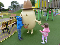 Peppa Pig World (TravelShorts) Tags: peppa pig world paultons park theme amuement daddy george travel hampshire cartoon house rides character meet greet costume
