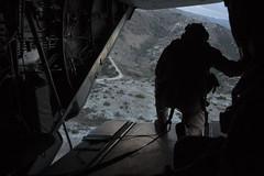 161004-M-OI329-694 (3rdID8487) Tags: marines marine usmc unitedstatesmarinecorps military marinecorps marineexpeditionaryunit 1streconnaissancebattalion freefall staticjump training mv22bosprey osprey 1stmarinedivision multimissionparachutesystem mmps parachute recon camppendleton deployment nmcs dvidsbulkimport cacmppendleton california unitedstates us