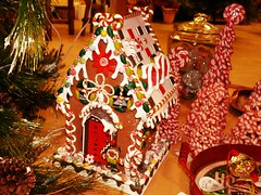 Are those solar panels on the roof? (di_the_huntress) Tags: picmonkey candy christmas gingerbread gingerbreadhouse display
