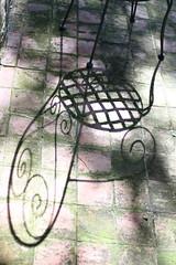 (B Plessi) Tags: la gualda gualdo macerata marche italia chaise chair sedia mobilier jardin ombre shadow ombra