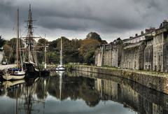 Charlestown, Cornwall (suerowlands2013) Tags: charlestown cornwall touristattraction oldharbour filmlocation poldark sailingships oldships reflections