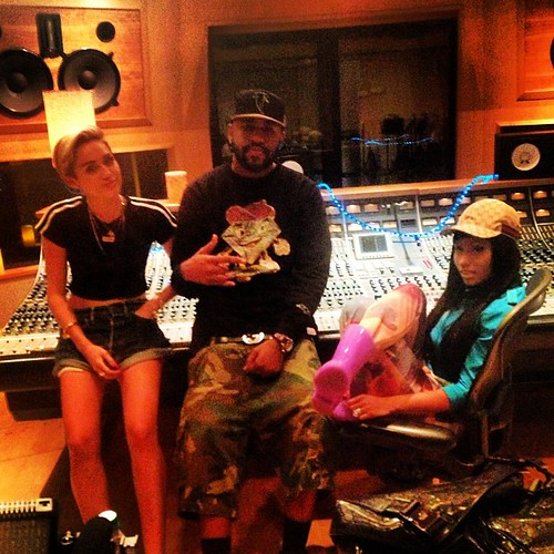 Mike Will Made it in the studio with Nicki Minaj and Miley Cyrus